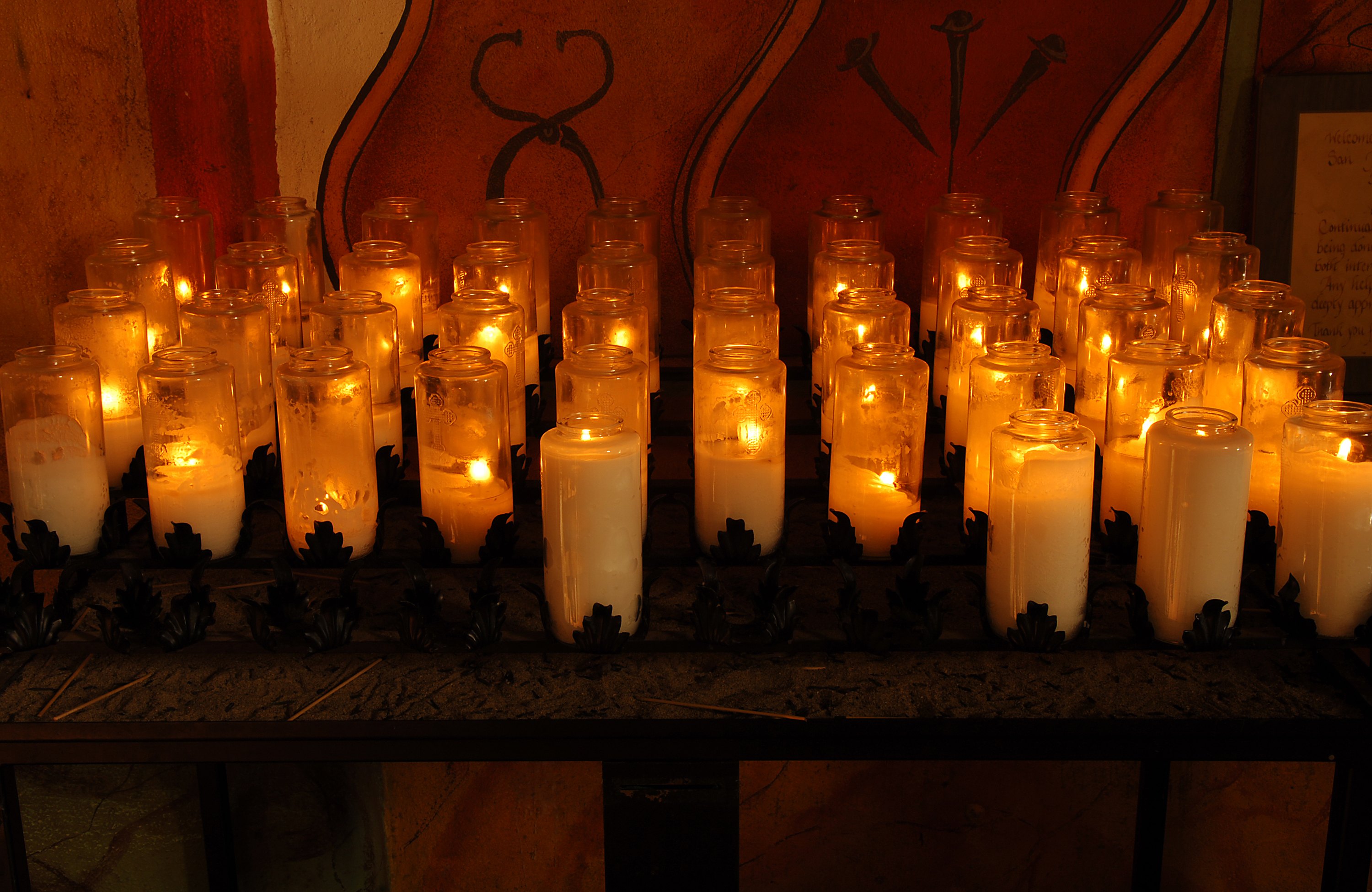 Lighting Votive Candles In Catholic Church Images & Lighting Candles In Catholic Church - Democraciaejustica